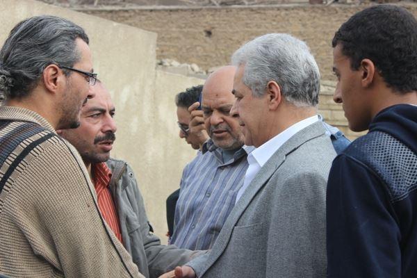 410923f544b82e47e693fc4d680d1066 صور جنازة احمد فؤاد نجم اليوم بحضور المقربين منه 3 12 2013