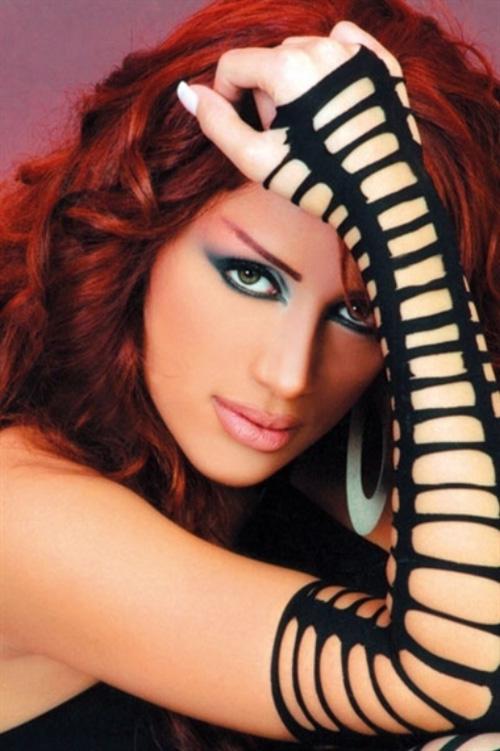 صور صادمة لمايا دياب قبل 10 سنوات ... وقبل التجميل !!