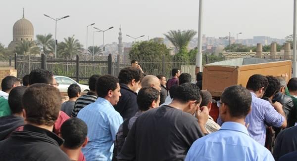 5fdc13a0abb06352b9858327b312966f صور جنازة احمد فؤاد نجم اليوم بحضور المقربين منه 3 12 2013