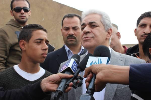 638a93127c37b370187da7279ee96925 صور جنازة احمد فؤاد نجم اليوم بحضور المقربين منه 3 12 2013