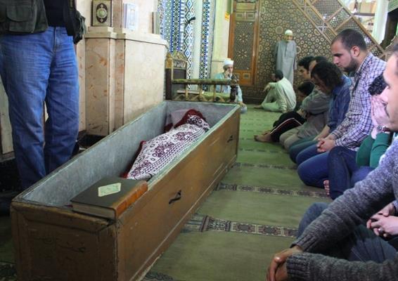 b1950eac98d46dac0f003d9b13109dcb صور جنازة احمد فؤاد نجم اليوم بحضور المقربين منه 3 12 2013