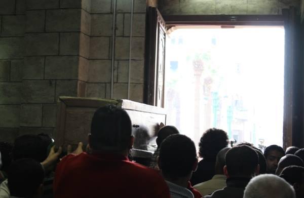 b5a25ced83a4af176ac681f0b50654f5 صور جنازة احمد فؤاد نجم اليوم بحضور المقربين منه 3 12 2013