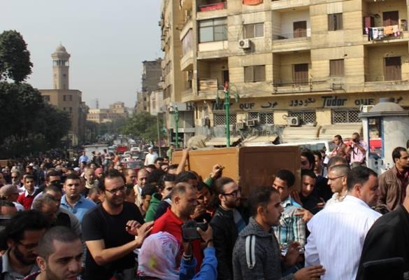 df2d95921a4468afcc8e2c9b6ca44fd6 صور جنازة احمد فؤاد نجم اليوم بحضور المقربين منه 3 12 2013
