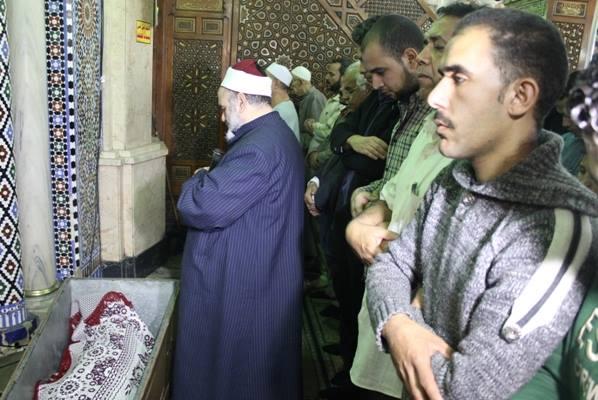 f80990d68f1b1717468fdc0c301f95df صور جنازة احمد فؤاد نجم اليوم بحضور المقربين منه 3 12 2013