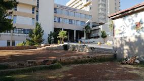 مستشفى الجامعة يمنع زيارات المرضى