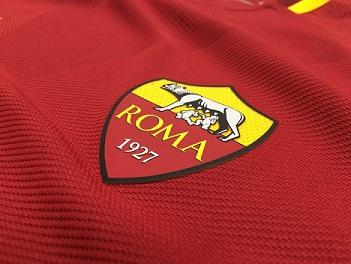 روما يعلن إصابة 4 لاعبين بفيروس كورونا
