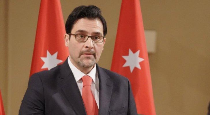 وزير النقل يتحدث بشأن فتح المطار .. تفاصيل