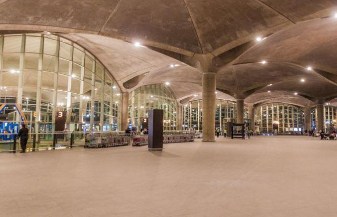 المبنى الجنوبي في المطار للدول الخضراء