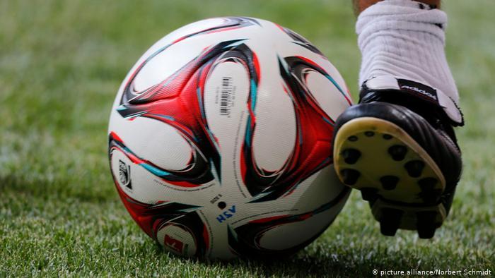 مقتل لاعب كرة قدم مشهور برصاصة طائشة