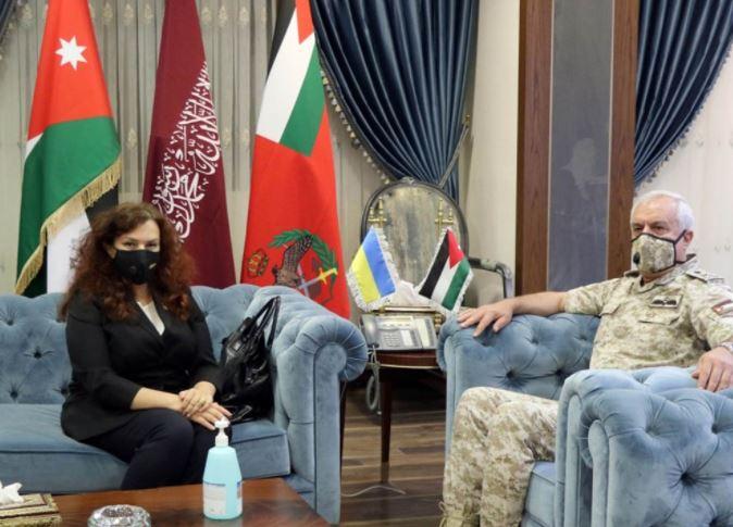 الحنيطي يبحث أوجه التعاون والتنسيق مع السفيرة الأوكرانية