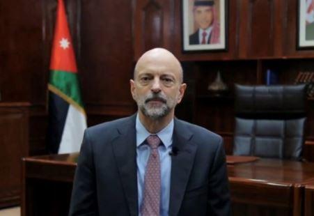 عمر الرزاز يضع استقالته بين يدي الملك