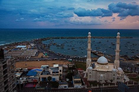 غزة تعلن إعادة فتح المساجد الأحد
