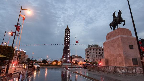 تونس تفرض إجراءات جديدة لمجابهة تفشي كورونا
