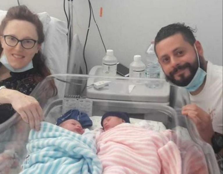 بلدة ايطالية تحتفل بأول ولادة منذ 14 عاماً