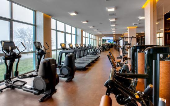إغلاق مراكز اللياقة البدنية والمسابح ومدن الترفيه