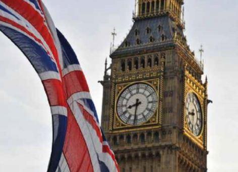 بريطانيا: الحظر الشامل قد يستمر لفترة أطول