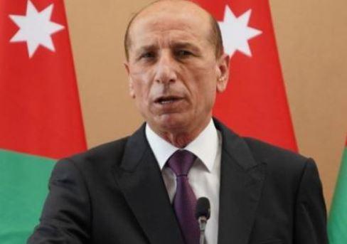 استقالة وزير الداخلية ورئيس الوزراء يعتذر للمواطنين الملتزمين