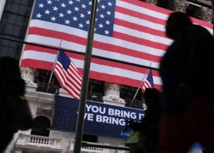 حظر تجول في أكبر ولاية أميركية