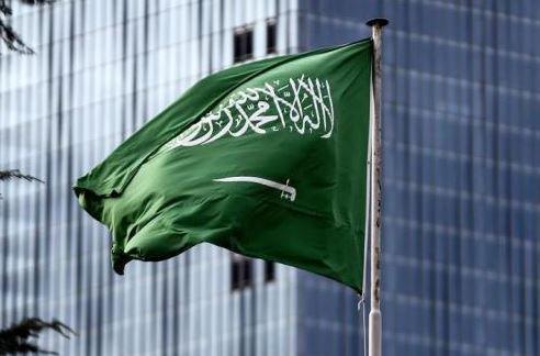 السعودية توضح بشأن سفر الأجانب