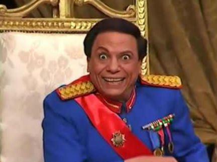 شاهد: مفاجأة.. صورة نادرة جداً لـ عادل امام.. من نشرها؟