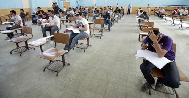 30 ألف طالب يقدمون الاثنين الامتحان الثالث من تكميلية التوجيهي