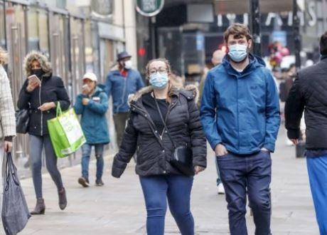إصابات كورونا تزداد بشكل حاد في بريطانيا