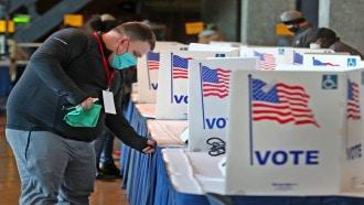 أمريكا تحبس أنفاسها .. هل سيقلب ترمب والجمهوريون الطاولة؟