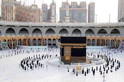 السعودية تبعث بتوجيه لمن يرغبون بأداء العمرة