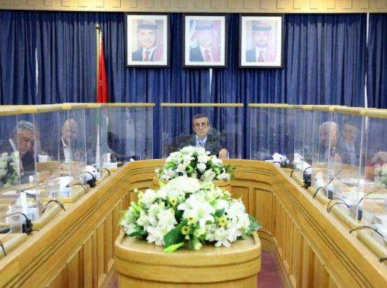 لجنة العمل في الأعيان تبحث واقع سوق العمل