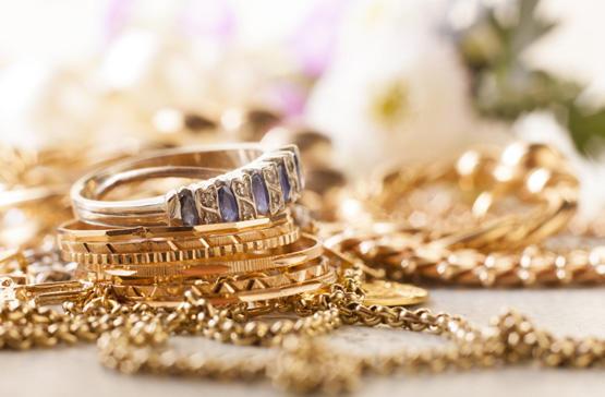 سعر غرام الذهب عيار 21 محليا السبت