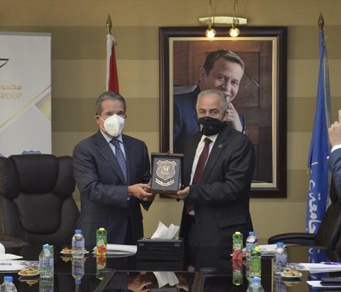 السفير المكسيكي يزور جامعة عمان الأهلية