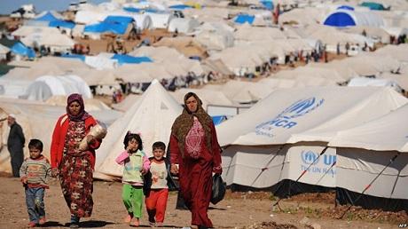 بدء إعطاء لقاح كورونا في مخيم الزعتري
