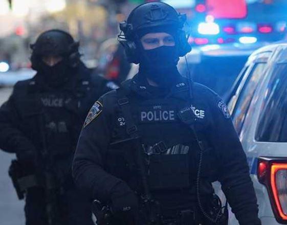 اعتقال مسلحين قرب البيت الأبيض
