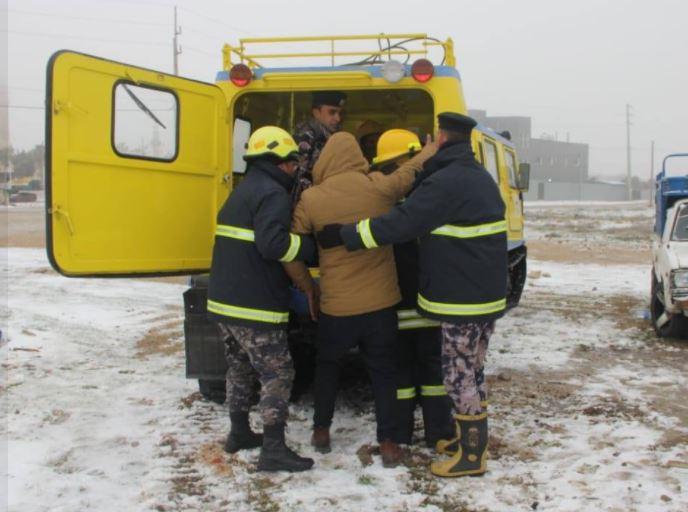 إجلاء 1197 شخصاً علقوا بالثلوج