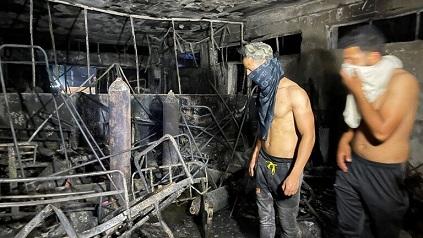 عشرات الضحايا بانفجار مستشفى في بغداد واجتماع طارئ