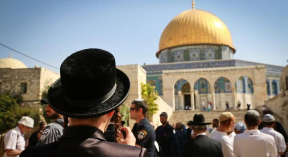 عشرات المستوطنين يتقدمهم وزير إسرائيلي يقتحمون الأقصى