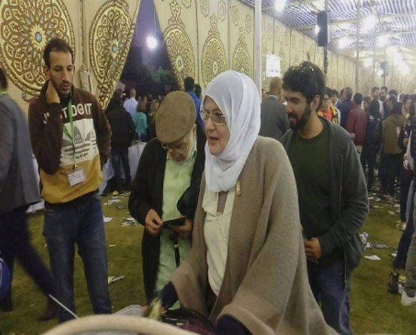 93a5d494c ظهور نادر لشمس البارودي مع زوجها.. شاهد